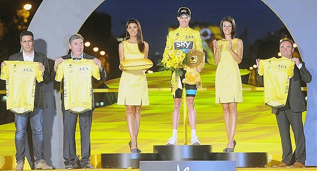 100. ročník Tour de France a zleva jsou Indurain, Merckx, Froome a Hinault