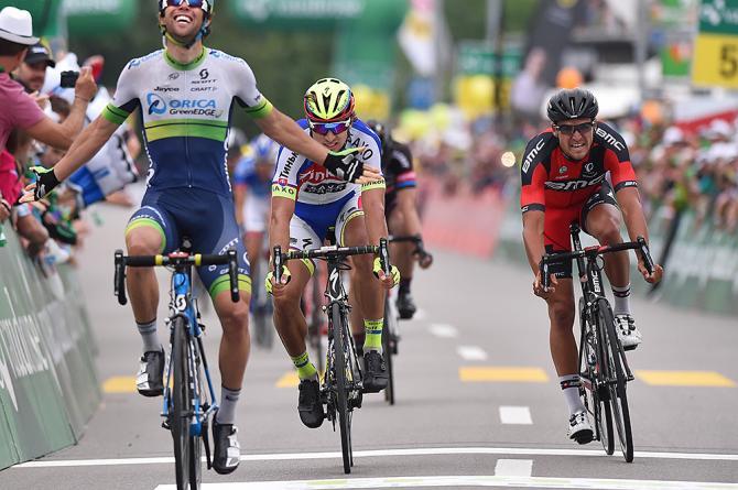 Michael Matthews vítězí ve 4. etapě závodu Kolem Švýcarska