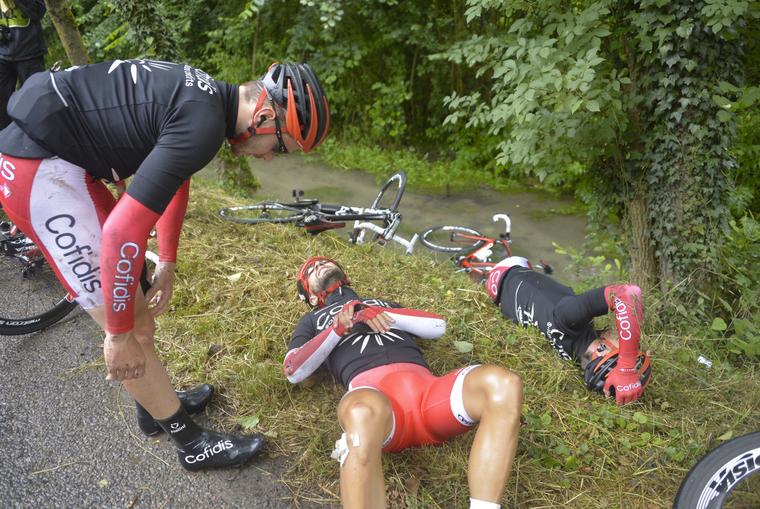 Nacer Bouhanni skončil na zemi a končí na Tour