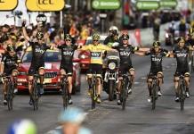 tým SKY na Tour de France 2015