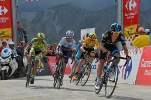 Ještě před sjezdem byl Contador s top favority