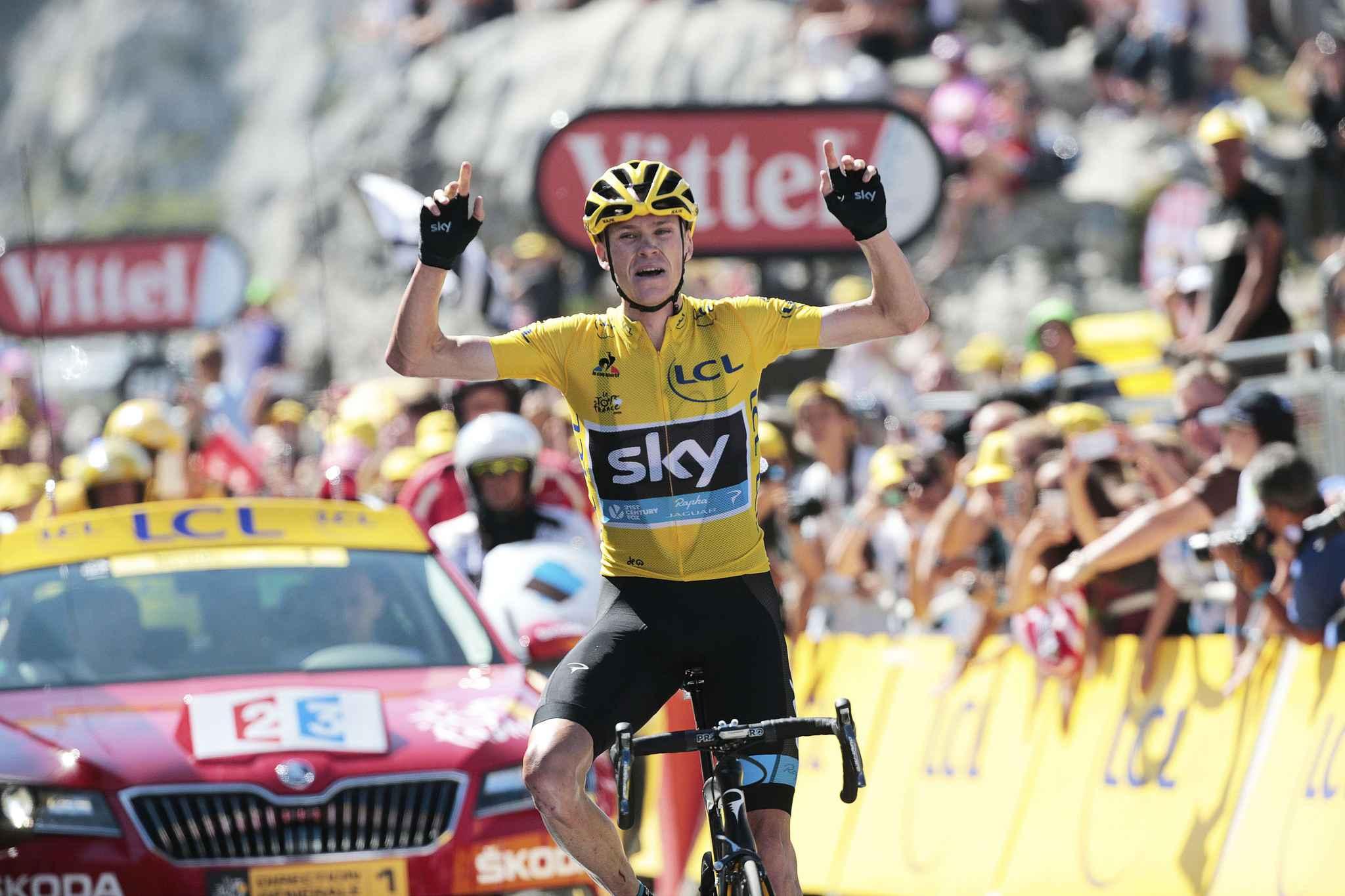 Froome vítězí v desáté etapě Tour de France 2015.