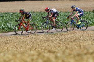 únik Tour de France 2017 Vegard Stake Leangen (UAE), Perrig Quemeneur (Direct Energie), Frederick Backaert (Wanty)
