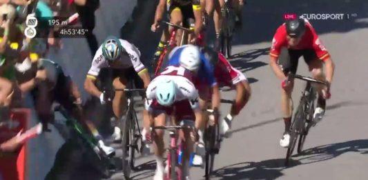 Cavendish Sagan strčení loktem