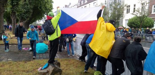 Düsseldorf držíme vlajku 1. etapa Tour de France