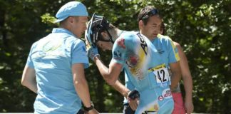 Jakob Fuglsang po pádu v 11. etapě Tour de France 2017