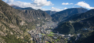 Andorra la Vella - dojezd 3. etapy Vuelty 2017