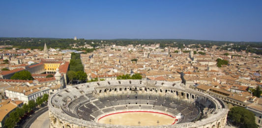 Nîmes - start 1. etapy - 72. Vuelta a España