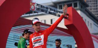 Tim Wellens - vítěz Tour of Guangxi 2017 - v pozadí další držitelé trikotů