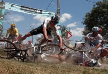 Froomův pád - 9. etapa Tour de France 2018
