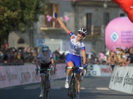 Évita Muzic - vítězka 9. etapy Giro Rosa 2020 (za ní druhá Niamh Fisher-Black)