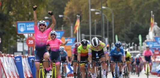 Elisa Balsamo vítězí před Lorenou Wiebes - 3. etapa Ceratizit Challenge 2020