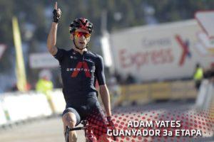 Adam Yates (Ineos Grenadiers) 3. etapa Kolem Katalánska