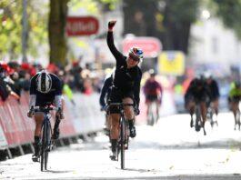 Amy Pieters poráží Claru Copponi ve spurtu 2. etapy The Women's Tour 2021