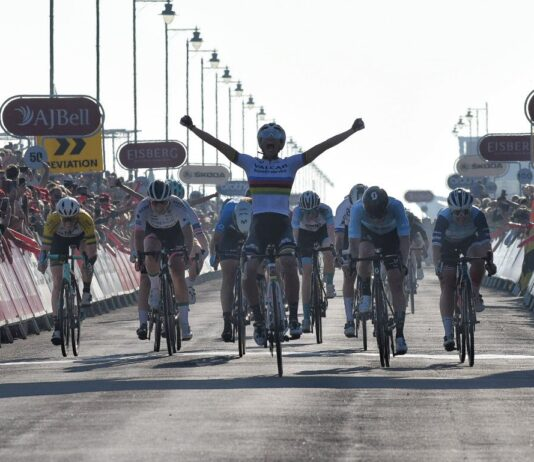 Elisa Balsamo vítězí v 6. etapě The Women's Tour 2021, poprvé v duhovém dresu